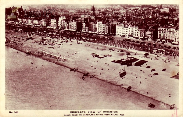 Brighton - Bird's-eye view off the beach