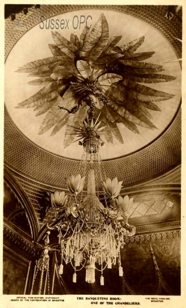 Brighton - The Pavilion, Chandelier in the Banqueting Room