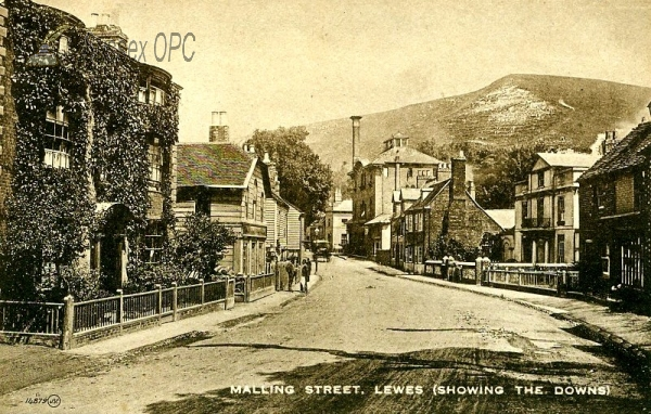 Lewes - Malling Street (showing the Downs)