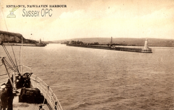 Newhaven - Entrance to Harbour