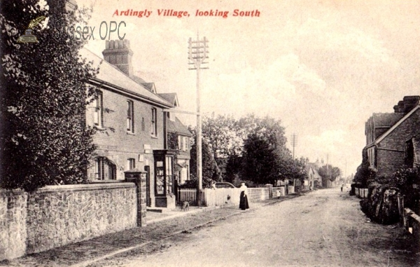 Ardingly - The village looking south