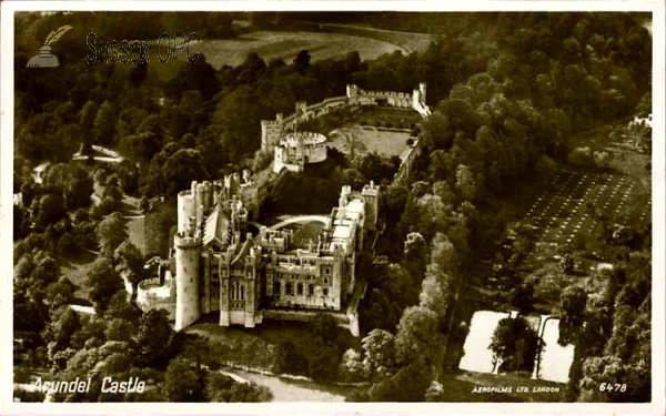 Arundel - Bird's eye view of the castle