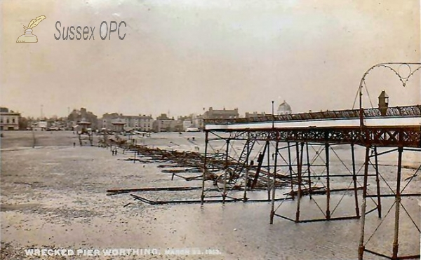 Image of Worthing - Wreck of the Pier, 22nd March 1913
