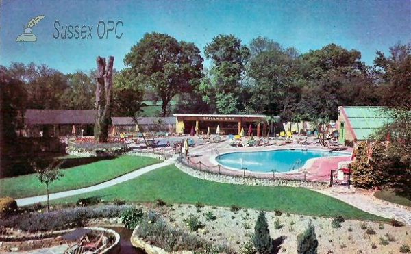 East Grinstead - Felbridge Hotel (Swimming Pool)