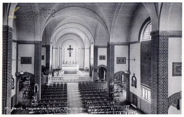 Image of Haywards Heath - St Paul's Church (Interior - Nave)