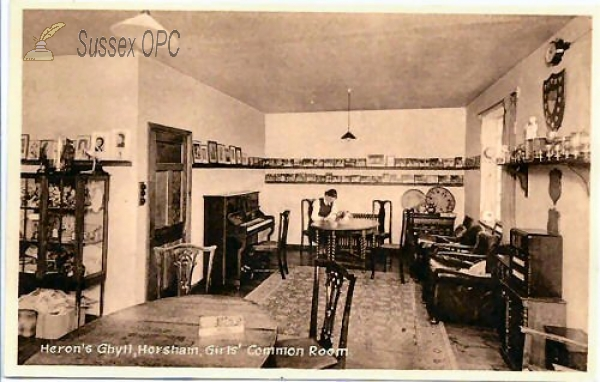 Horsham - Heron's Ghyll School, Girls' Common Room